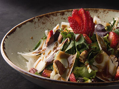 Strawberry & Baby Rocket Salad