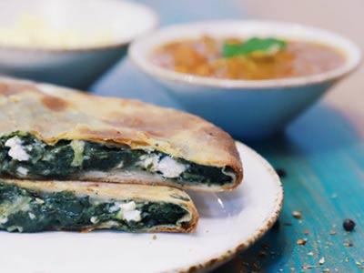 Spinach And Cheese Kulcha