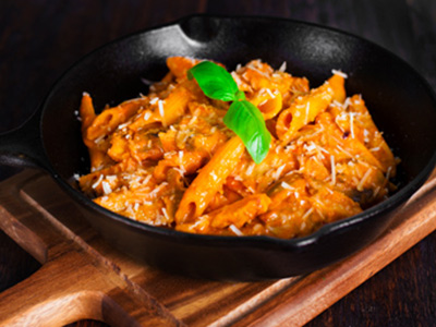 Penne With Pink Sauce, Grilled Chicken & Mushroom