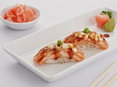 Seared Garlic Salmon Nigiri