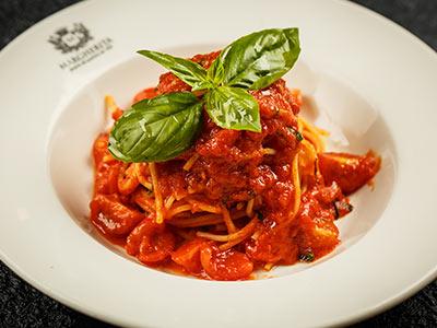 Spaghetti Al Pomodorino E Basilico