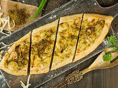 Cheese & Zaatar Pide- 16.5 Inch