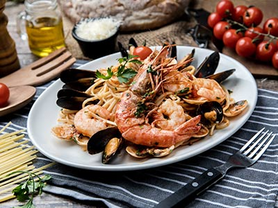 Linguine With Mixed Seafood & Shellfish