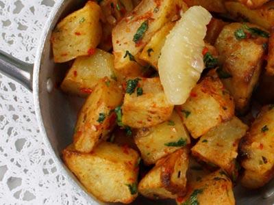 Spicy Potato Cubes