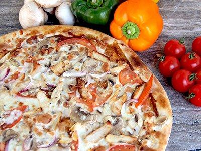 Medium Chicken Pizza