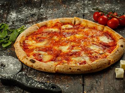 Scamorza E Pancetta Pizza