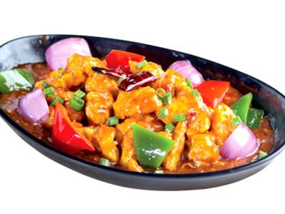 Stir Fry Chicken In Schezwan Sauce Party Platter